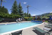 *LOWER RATES ON LISTING* Easy walk to Mountain Village ~ Pool & 2 Hot Tubs!