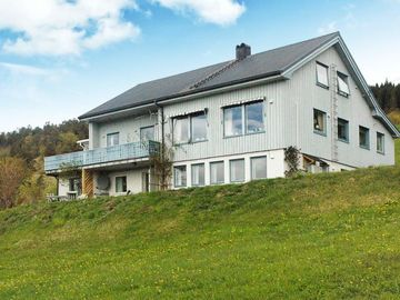 Apartment Fjøra  in Valldal, Northern Fjord Norway - 8 persons, 3 bedrooms