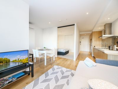 Photo for A Bright & Spacious CBD Suite with a Pool & Gym