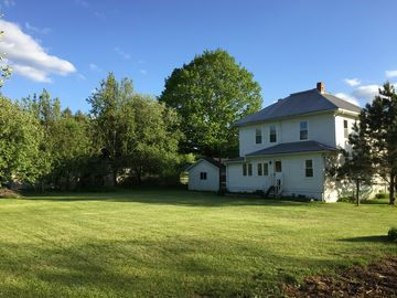 Little Levels (Hillsboro, WV) 4 BR Home~Close to Everything Wild and Wonderful