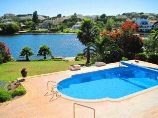 Photo for Quinta do Lago villa with stunning lake views SD30