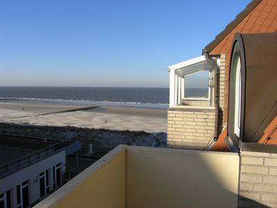Photo for Apartment on the beach with sea views for up to 4 people