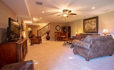 Photo for Soothing 5 bed/ 3 bath beautiful home in Branson Canyon!