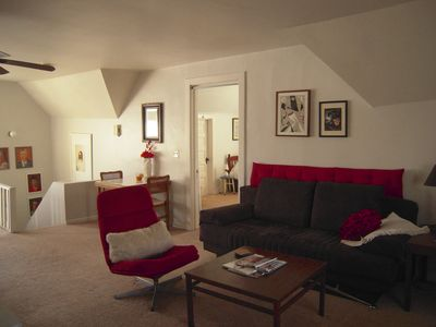 Photo for Cozy 1 Bedroom on Chicago's Northside 1 block to Train to City!  Sleeps up to 6.