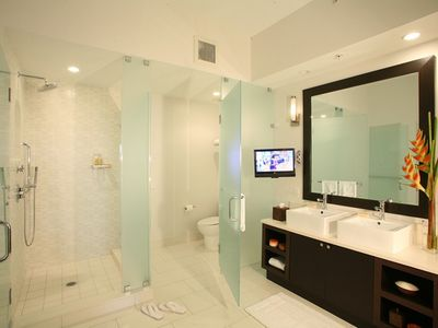 Photo for Luxurious 1/2 Deluxe Suite in the Heart of Miami - Minuets to Airport Shopping, Dining & Nightlife