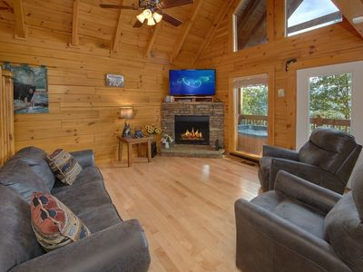Photo for A View For All Seasons 405 - Four Bedroom Cabin