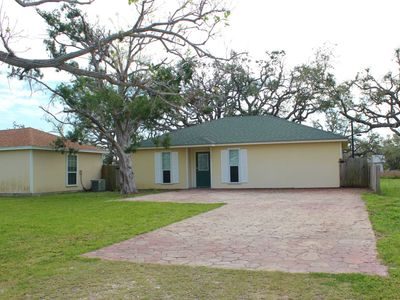 Photo for Aransas Pass Fishing Getaway! Pet Friendly with Fenced in Back Yard!