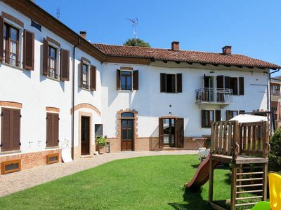Photo for Apartment Tenuta Il Pozzo Fiorito  in Cossombrato, Piedmont - 7 persons, 1 bedroom