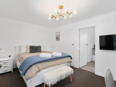 Photo for Cosy & Convenient Airbnb, Central Location & Wifi