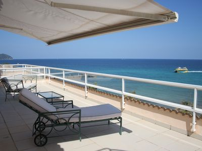 Photo for Comfortable attic apartment with 225m² area, stunning views, right on the beach