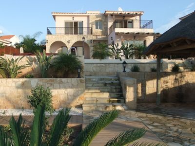 Photo for Exclusive luxury villa with pool in sought after area of Sea Caves - Coral Bay