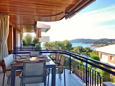 Photo for Apartment with sea views, pool and parking in Llafranc