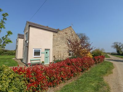 Photo for GRANGE FARM COTTAGE, pet friendly in Silk Willoughby, Ref 932449