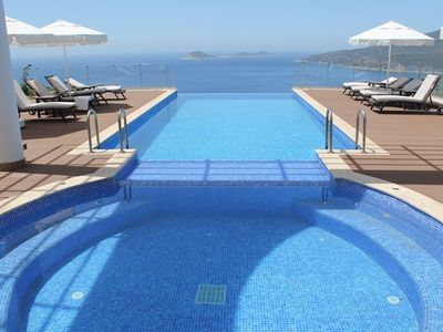 Photo for Fabulous villa with private pool and outdoor jacuzzi and amazing views