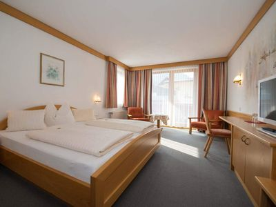 Photo for Double room with shower, WC (Reißkofel) - Hotel / Gasthof Brunnwirt