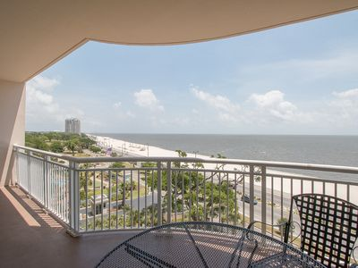 Lovely Legacy Towers Condo w/ Balcony, Access to 3 Resort Pools & More!
