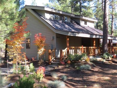 This charming cabin is close to the South Meadow and Glaze Meadow Pools.