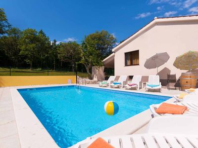 Photo for Family-friendly holiday home - heated pool, garden