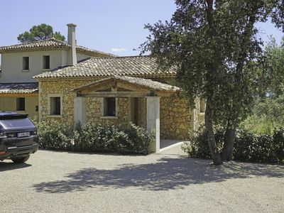 Photo for Charming Villa in Lorgues with Swimming Pool