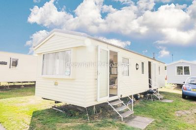 8 berth accommodation at Wild Duck Holiday Park, Norfolk