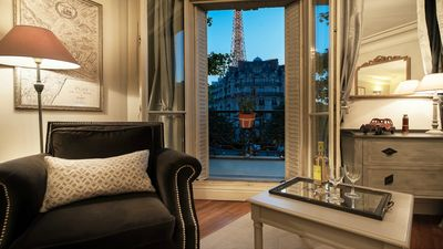 Unforgettable views of the Eiffel Tower from the Volnay!