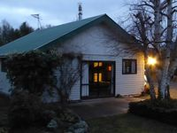 Lovely little cottage, close to Staveley store and a short drive to Methven.