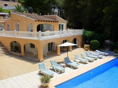 Photo for Charming villa with large swimming pool, terrace and summer kitchen..