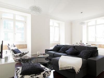 Photo for Spacious Baixa Elegant  apartment in Alfama with WiFi, air conditioning & lift.