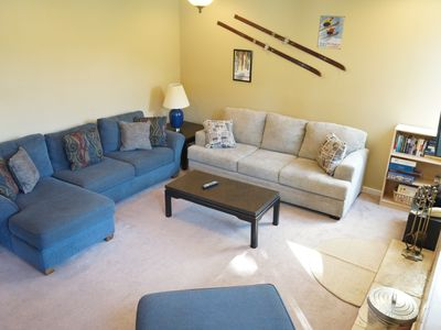 Photo for Newly updated 2 bed + 2 bath 1849 condo at the slopes!