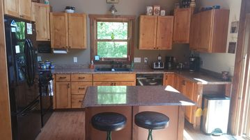 Beautiful Secluded Home On Lake Washington. Family U0026 Pet Friendly With  Hottub