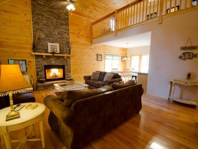 Wood burning fireplace, 32 inch TV, DVD, satellite, Queen sleeper, lots of space