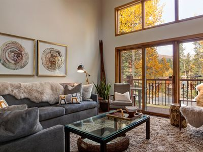 Photo for Pristine Amerind Townhome, Easy Walk to Lift/Town - Beautifully Decorated