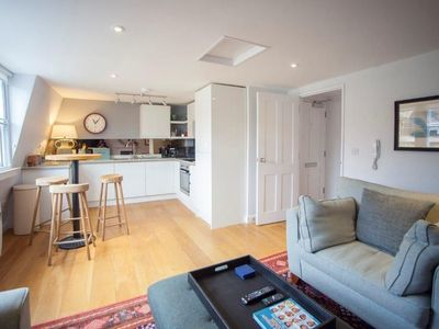 Photo for 1BR Apartment Vacation Rental in Bath, Bath and North East Somerset
