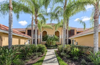 Photo for Luxury condo, golf and country club lifestyle - Enjoy the sun and have fun!