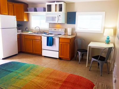 A cozy studio with perfect location at the Alaska Junction