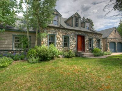 Photo for Luxurious 5 bedroom Home In Town, Quiet Location on the Blue River (380622)