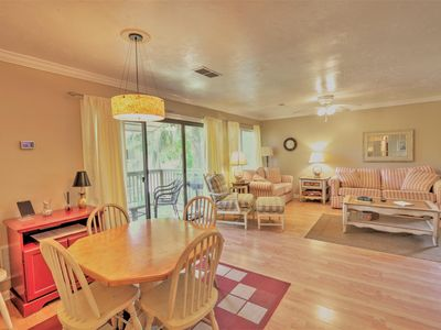 Photo for Cozy upgraded condo 10 minutes walk from the Beach & Coligny plaza