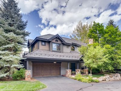 Photo for CHARMING MOUNTAIN TOWNHOME
