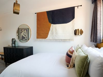 Photo for Sonder | Edgware Road Hotel | Pristine Room