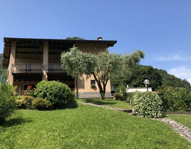 Photo for Villa 'Le Fontanelle' pool, air conditioning, lake view: CIR017134-CNI0001