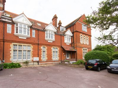 Photo for Kent House - apartment in wonderful Meads village location, near to the beach