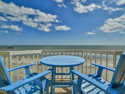 COV 411 - Riding the Waves - Top Floor Bright and Spacious Oceanfront Villa - 2 Pools