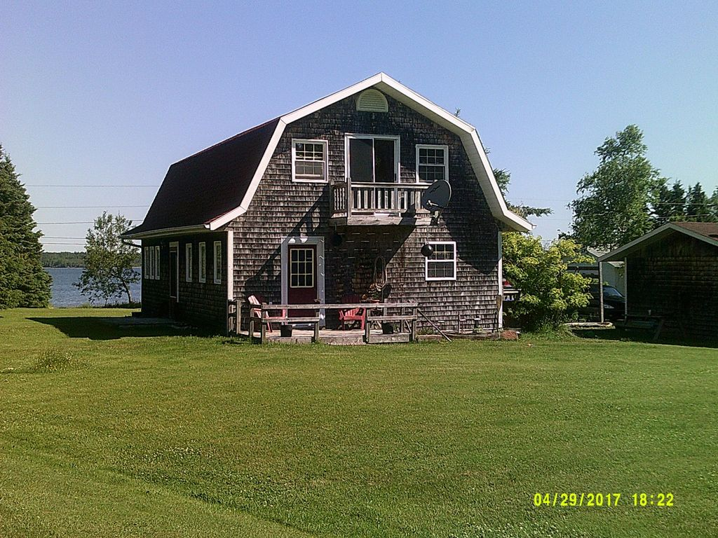 "PEI Cottages ""Our House"": 2 BR Vacation Cottage for Rent in Lower ..."