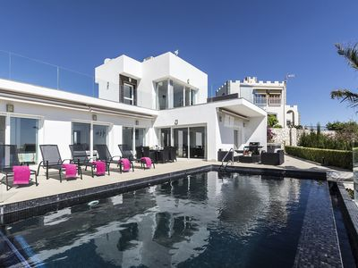 Photo for Villa Blanca - Modern villa with heated privat pool and jacuzzi