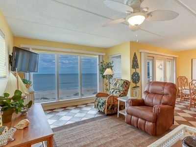 Photo for 2 Bed/2 Bath, 4th floor Oceanfront condo sleeps 6.  Oceanfront deck and pool.