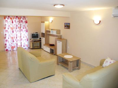 Photo for Apartment Haus Tanja (SRD411) in Starigrad-Paklenica - 6 persons, 3 bedrooms