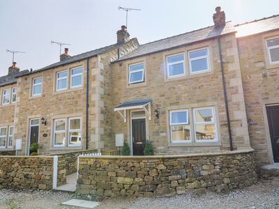 Photo for 1 ST. AIDANS COURT, pet friendly in Hellifield, Ref 977861
