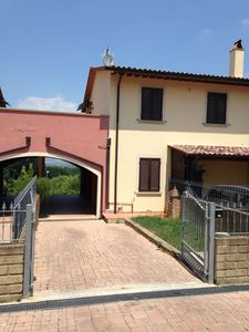 Photo for Beautiful villa on the Tuscan hills, for 2 to 5 people