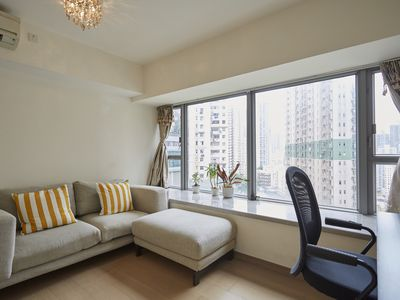 Photo for Spacious, cozy 2bdr apartmentSpacious, Cozy 2bdr Apt By MidLvl Escalator by MidL