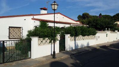 Photo for charming villa in nice quiet area close to beaches and shops